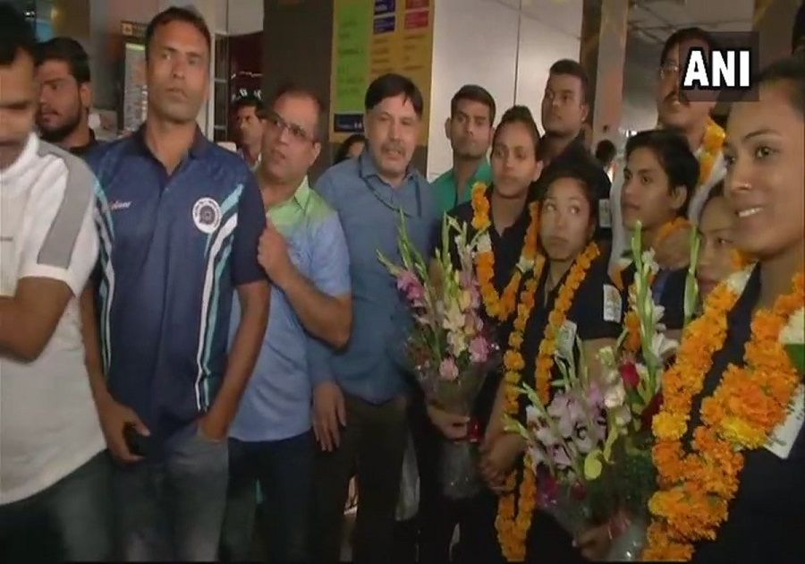 Indian weightlifting team arrives at Delhi airport from Australia