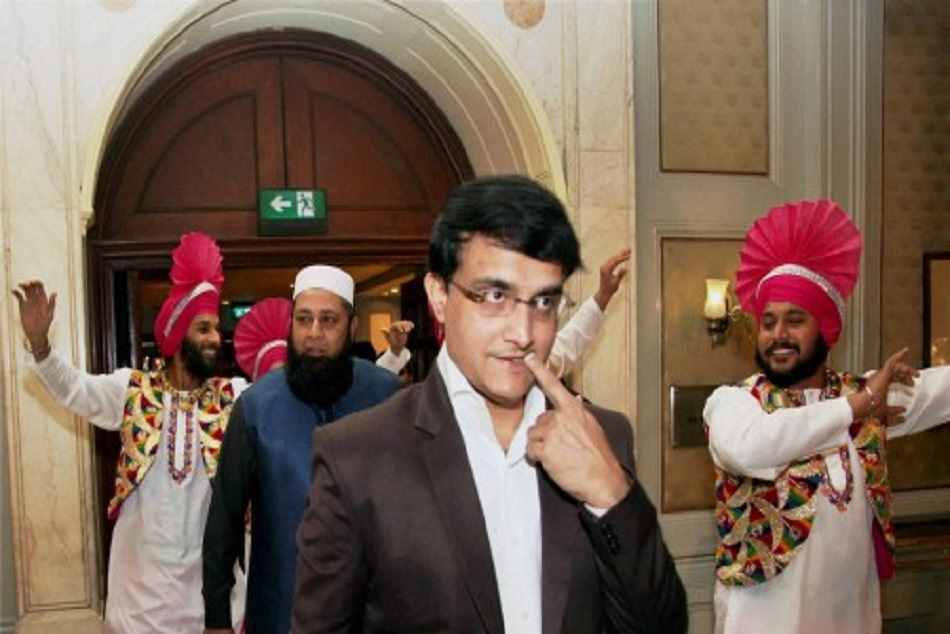 Sourav ganguly dancing on the floor of night club