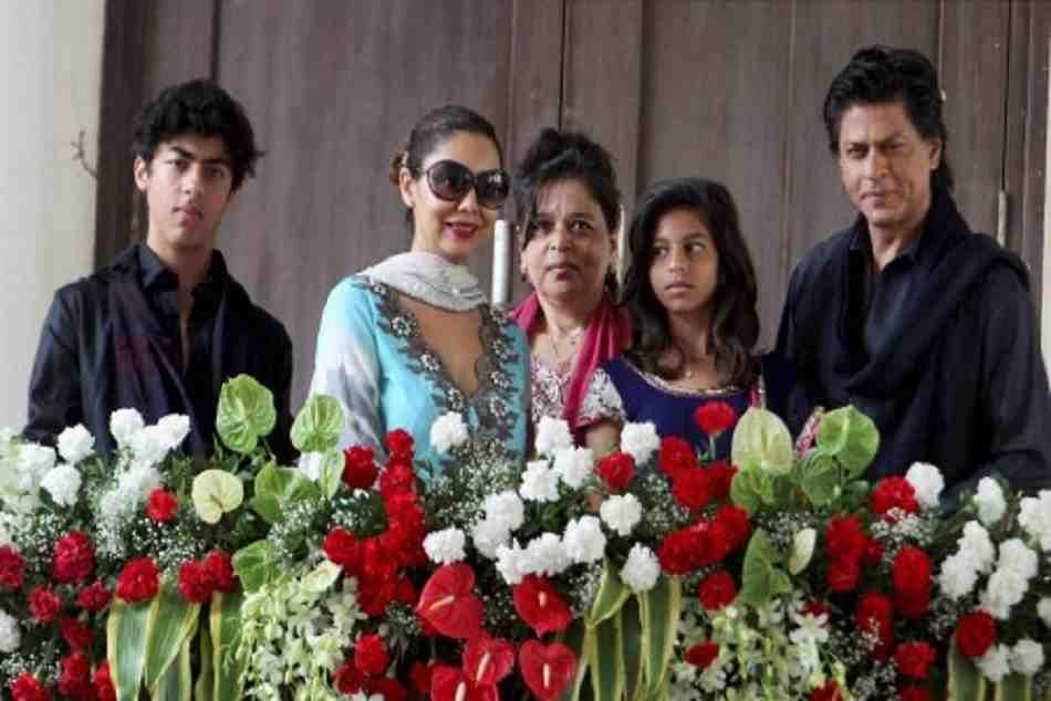 Shahrukh Khan Gauri Celebrates Kkr Victory