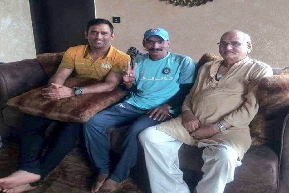 Ms Dhoni Offers Lunch Sudhir Gautam