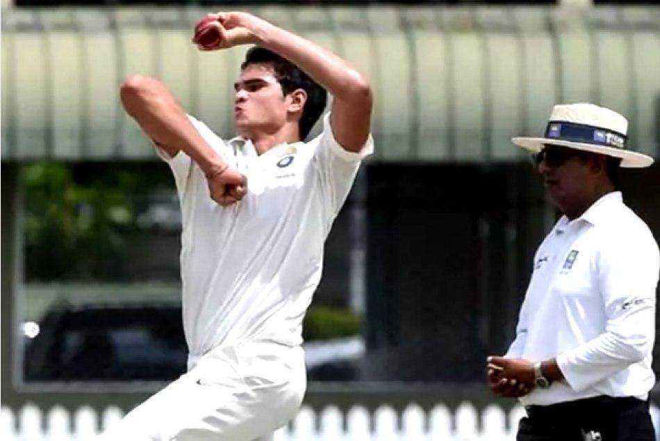 Arjun Tendulkar Took His First Wicket Vinod Kambli Get Emoti
