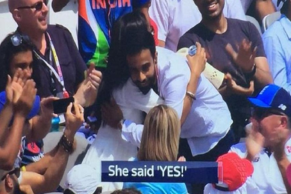 a man proposed his gf for marriage in india england match