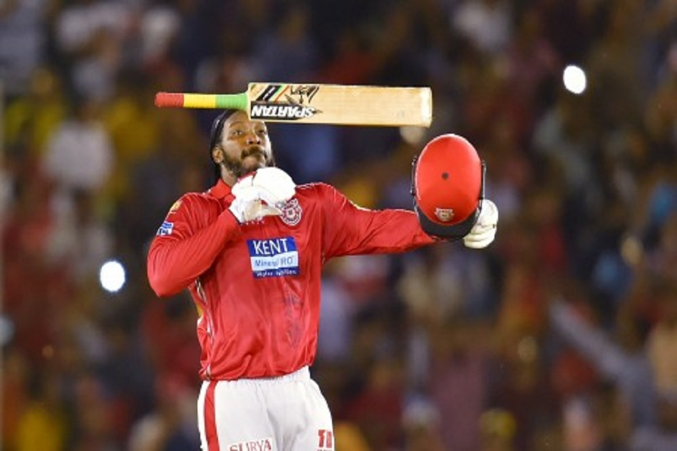 chris gayle is sixer king now,afridi and gayle equal sixes