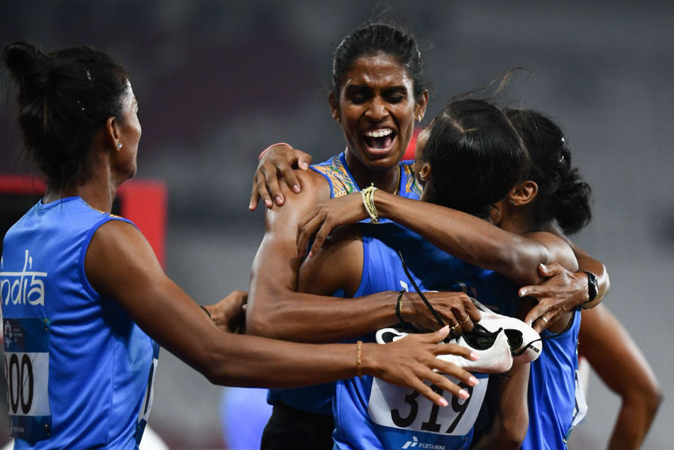 indian relay team won gold medal in race with hima das asian games 2018