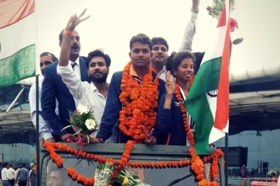 Asian Games medal winner Harshita tomar grand welcome in bhopal