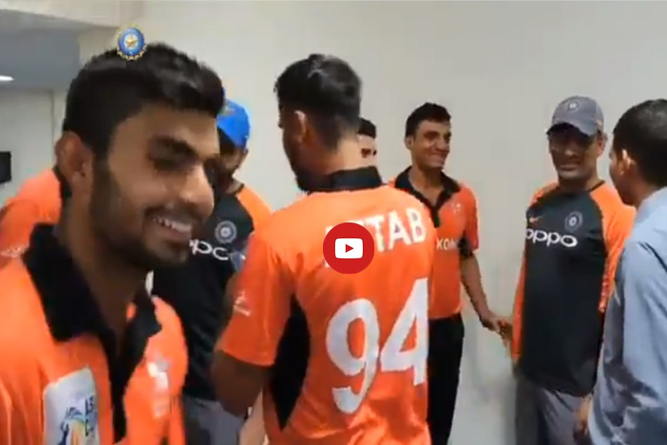 Asia Cup 2018 Team India Warm Gesture With Hongkong Being P