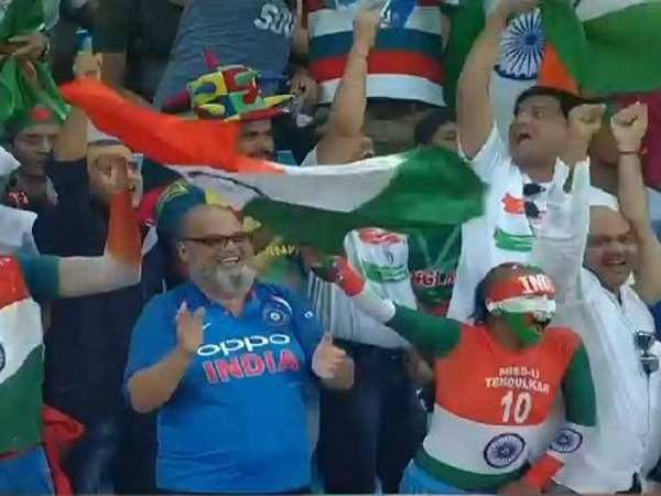 पाकिस्तान के चाचा शिकागो ने भारत की जर्सी पहन कर मचाया धमालः