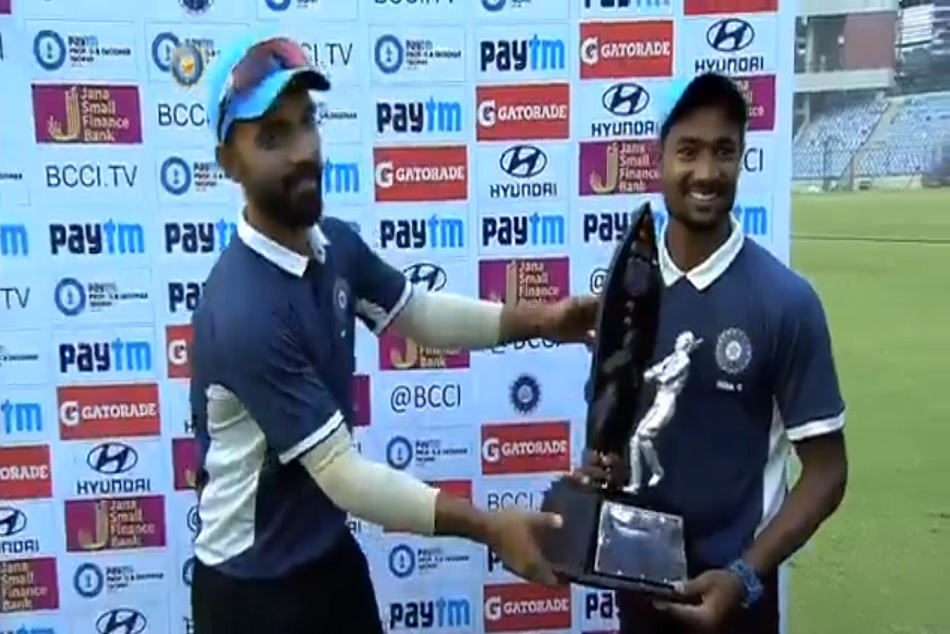 Watch Ajinkya Rahane Makes Heartwarming Gesture After Winning Deodhar Trophy