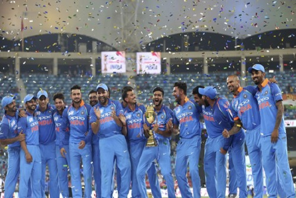 Khaleel Ahmad Got Emotional When Dhoni Tell Lifting Trophy Asia Cup