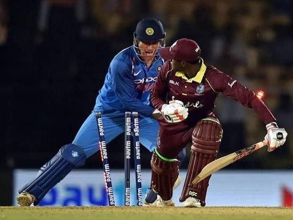 Ms Dhoni Took Just 0 08 Seconds Stump Wi Batsman