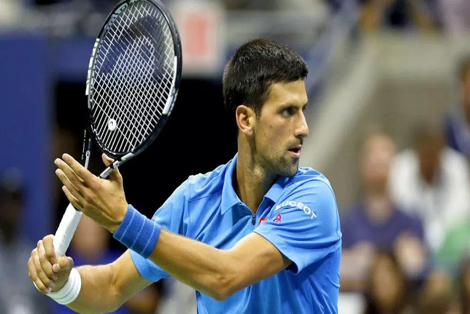 Novak Djokovic beats John Isner at ATP Finals 2018