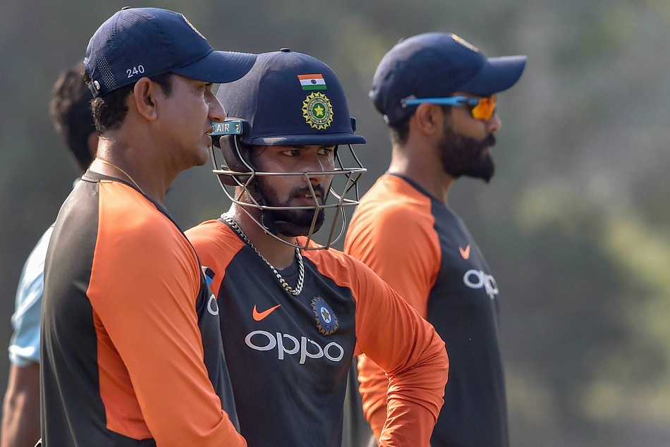 Vvs Laxman Praised Rohit Sharma Warns Rishabh Pant On This Issue
