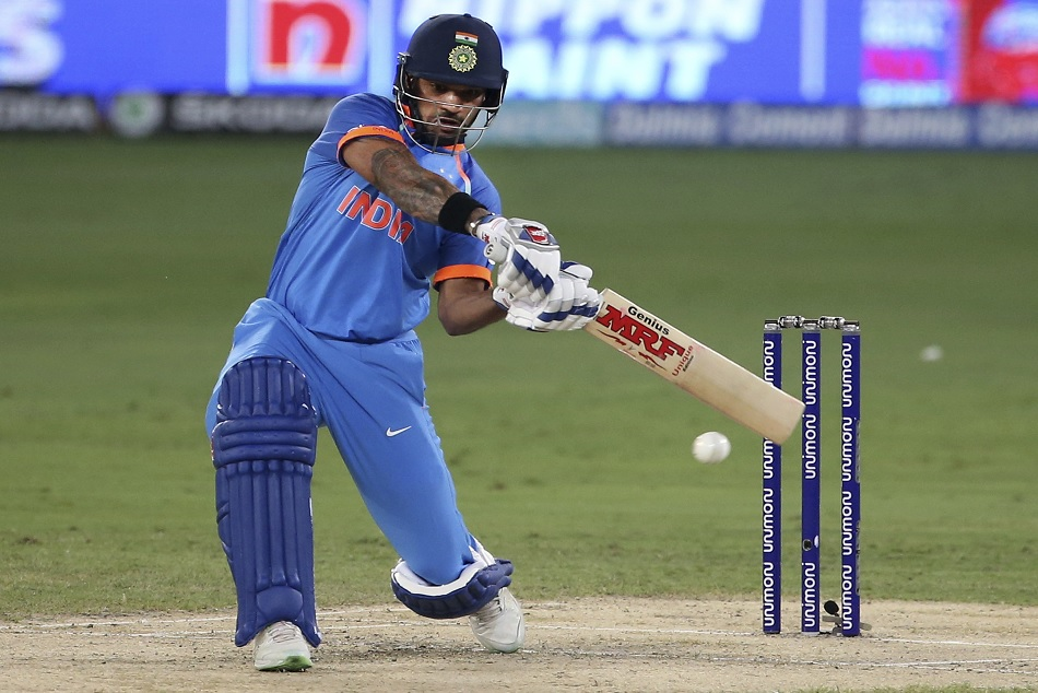 shikhar dhawan celebrates his half century before the 50 runs marks