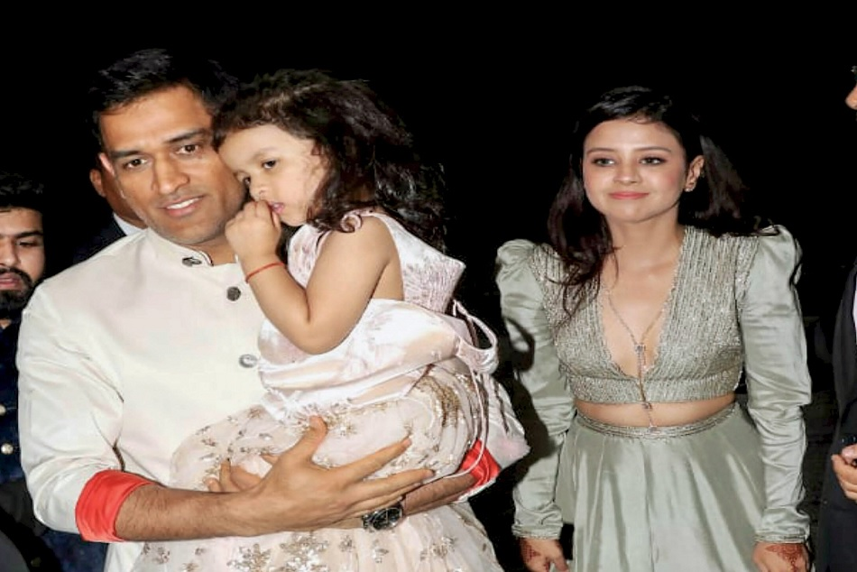 Mahendra Singh Dhoni daughter ziva video goes viral on social video