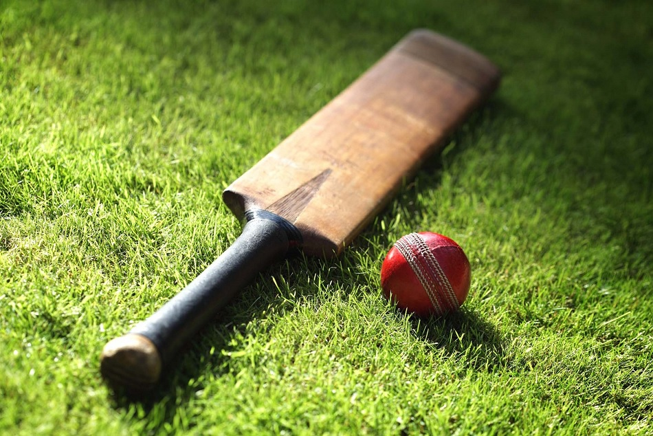 Old Year Cricketer Died After Chest Pain During Match