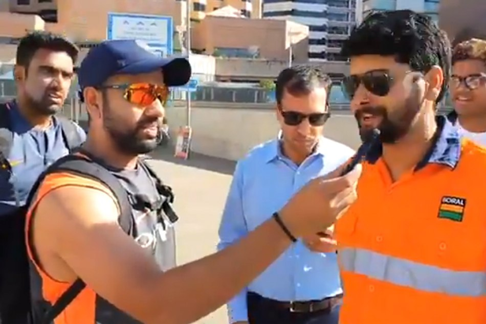 rohit sharma and r ashiwn surprise fans on the streets of Adelaide