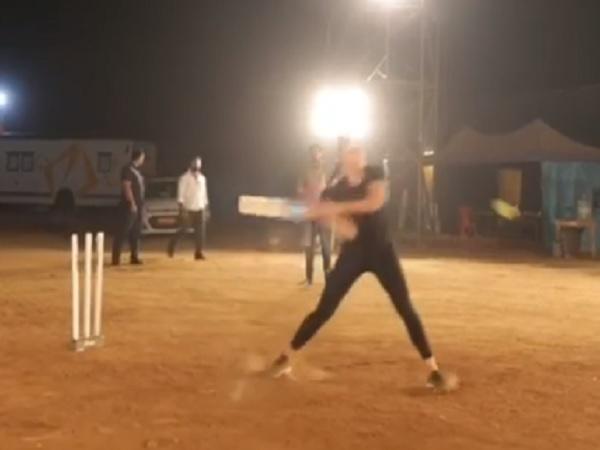 'भारत' के सेट पर कैटरीना की बल्लेबाजी