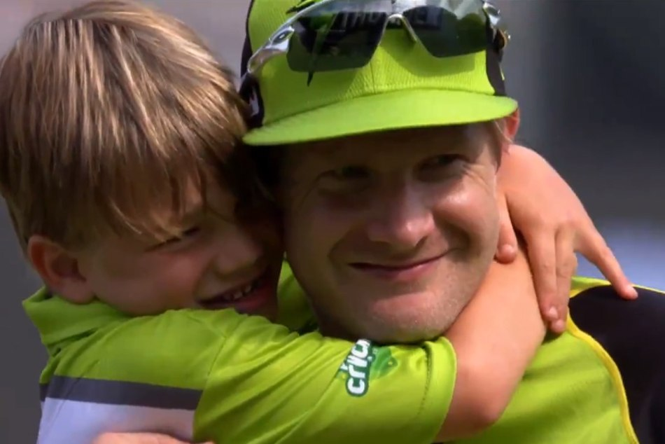 When Shane Watson Gives His Son An Autograph During Big Bash League Match Watch Video