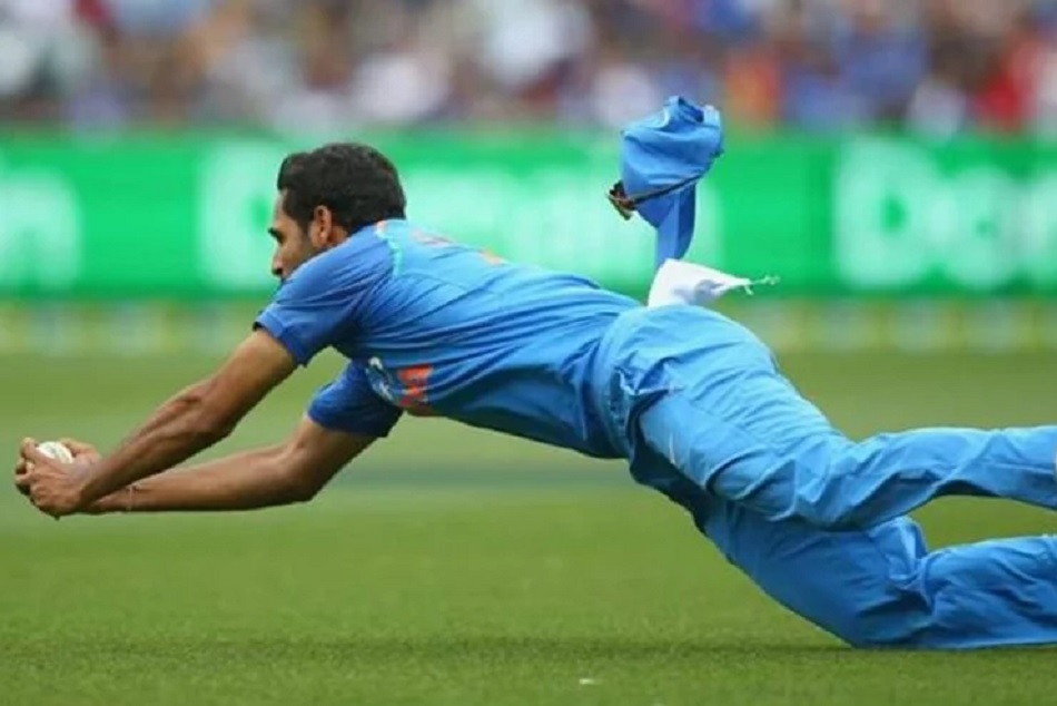 Indvsaus Bhuvneshwar Kumar Takes Stunning Diving Catch