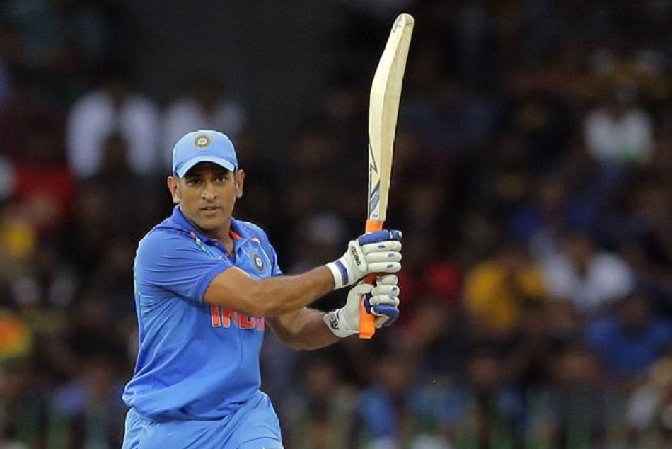 Mahendra singh dhoni completes his ten thousand runs in ODI for india