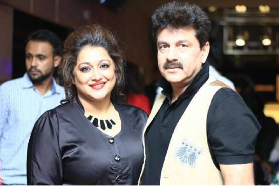 Former cricket all rounder manoj prabhakars wife is robbed in posh area of new Delhi