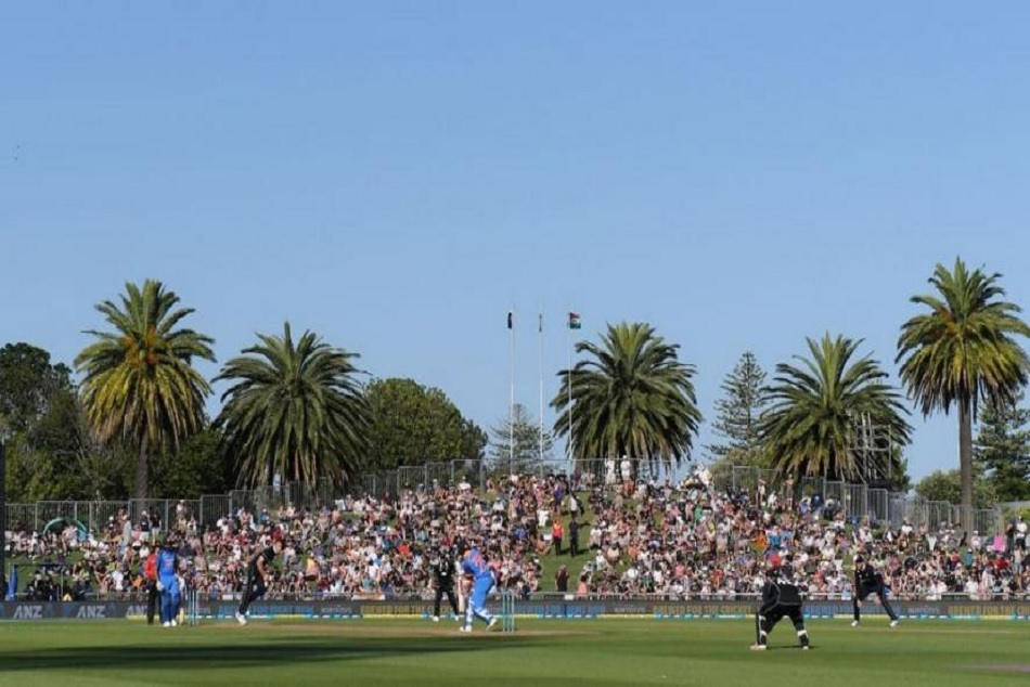 Sunlight Hampers Batsmans View match Stopped between India and NewZealand
