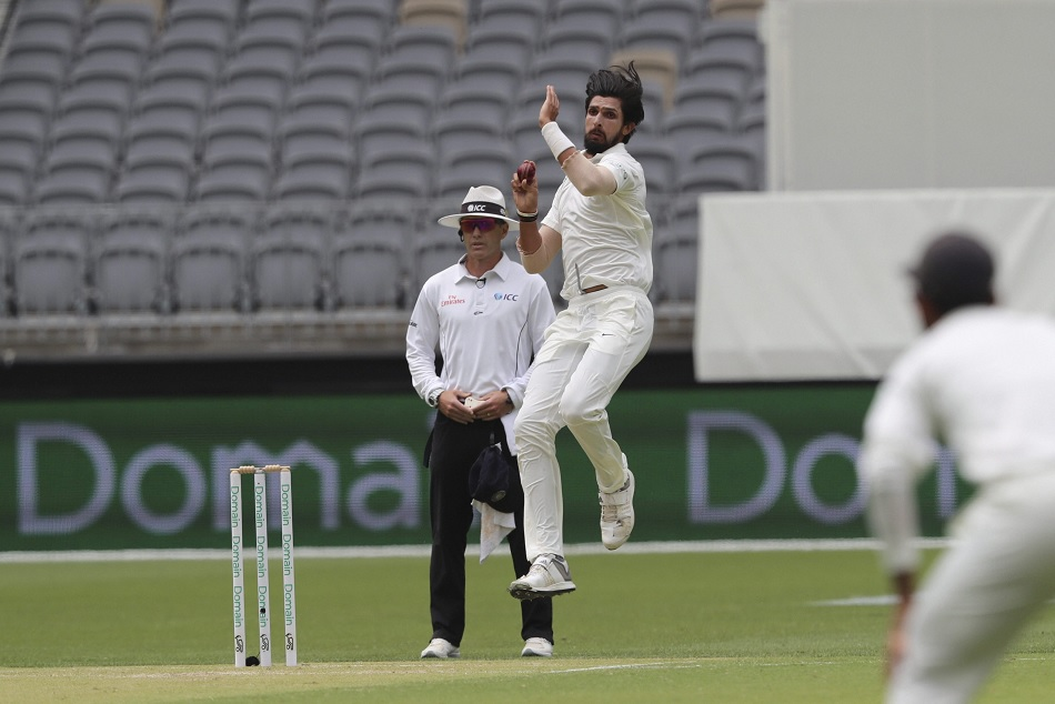 Ishant sharma eviction from the Sydney test is questioned on social media