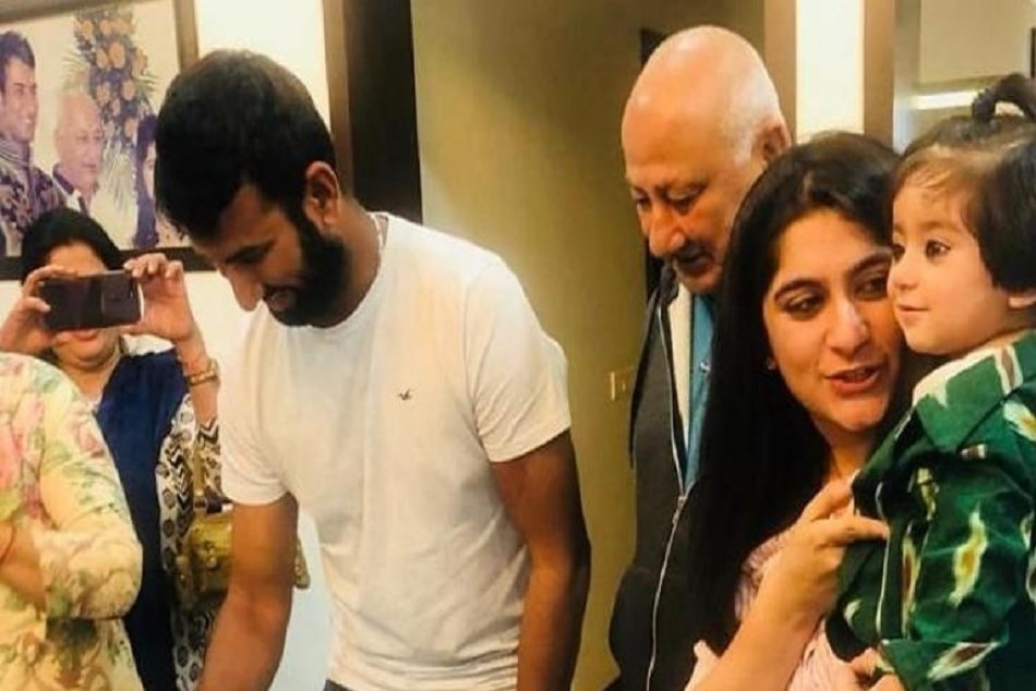 Cheteshwar Pujaras family welcomes him after record-breaking Australia tour
