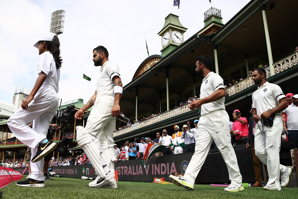 India are wearing black armbands in sydney test as a mark of respect to the passing of Ramakant Achrekar