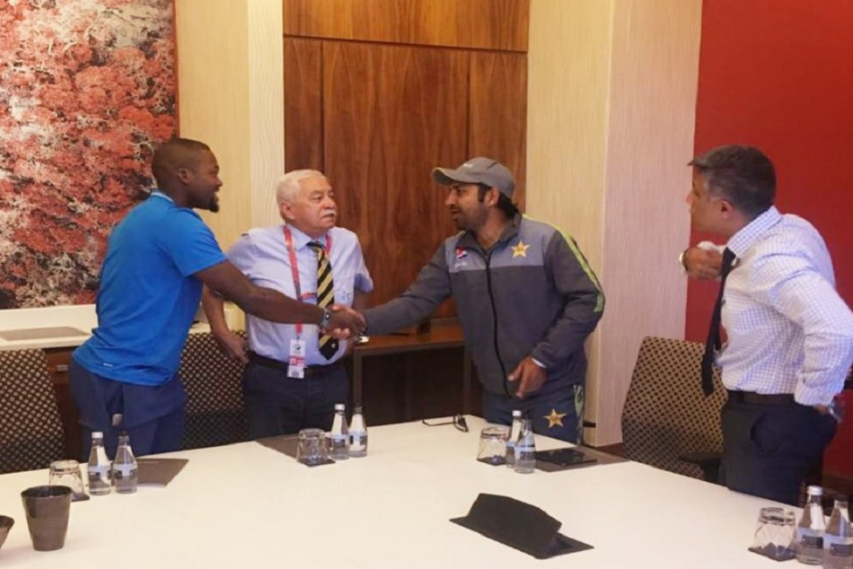 Sarfraz Ahmed apologies personally To Andile Phehlukwayo For Racial comment