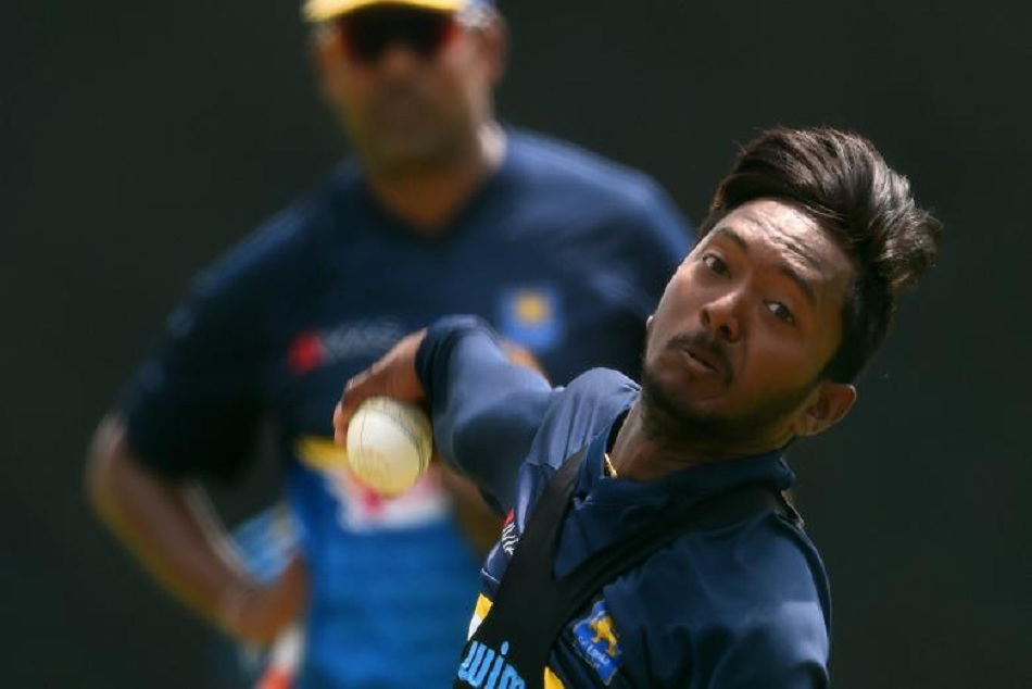 Akila Dananjaya allowed to resume bowling in international cricket
