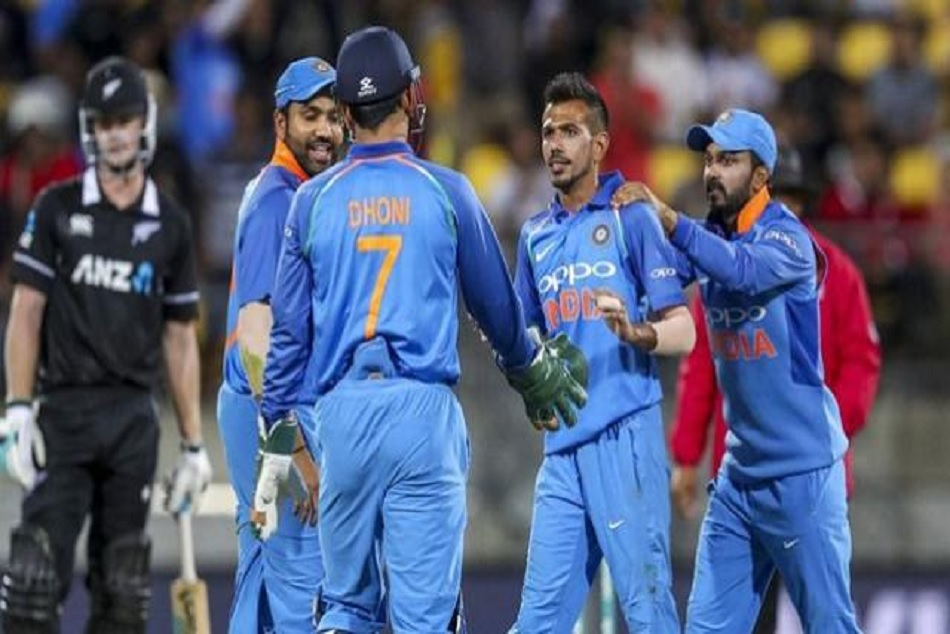 Video: Yuzvendra chase dhoni for chahal Tv, video went viral