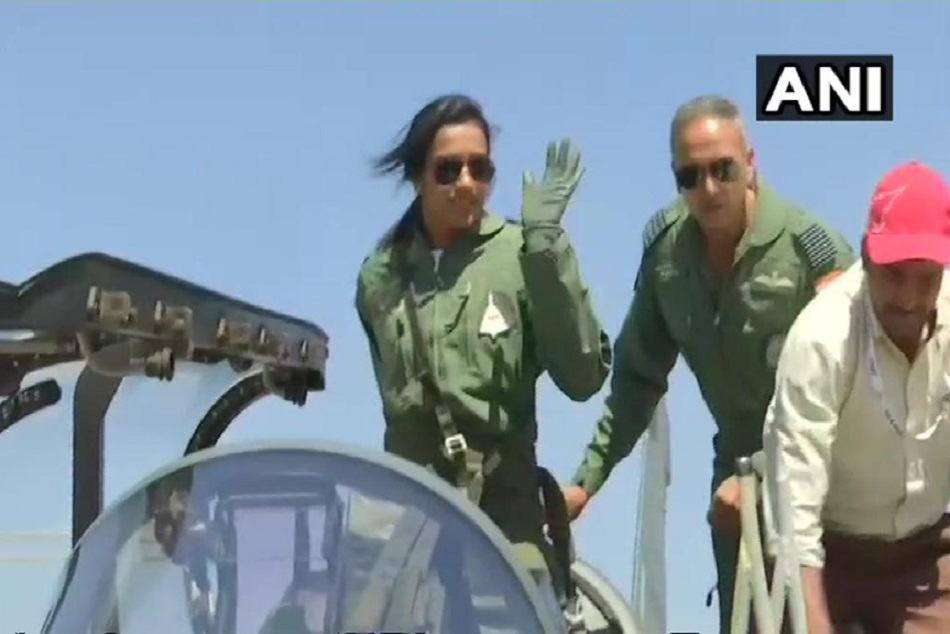 Pv Sindhu Flies Tejas Fighter At Bengaluru Air Show