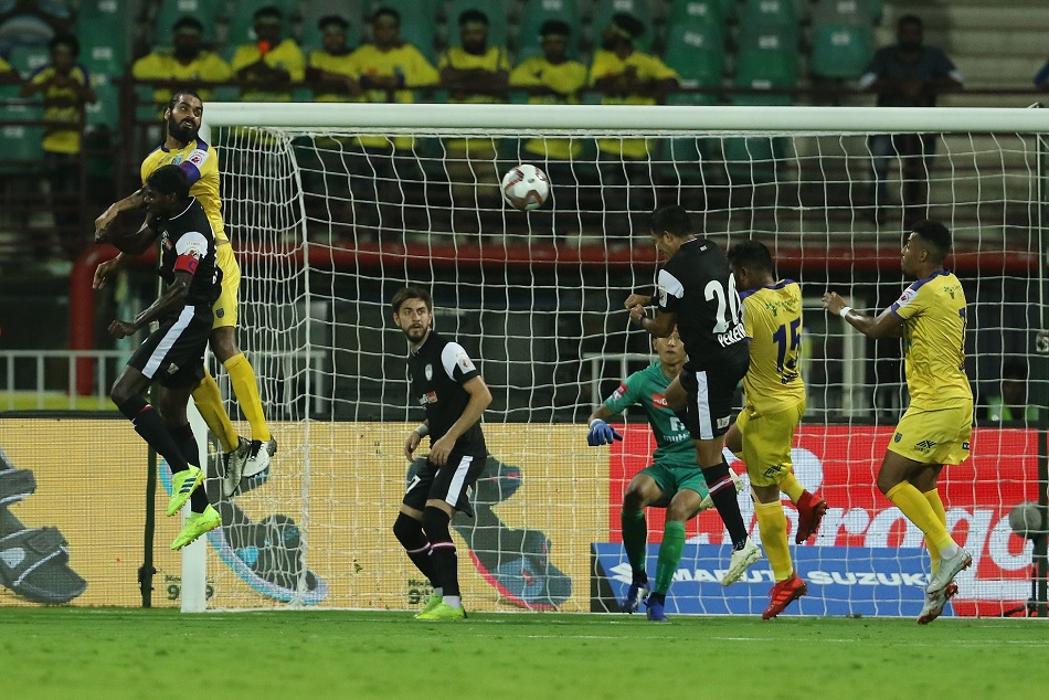 ISL 5: NorthEast United FC stopped Kerala Blasters FC despite playing with 10 players