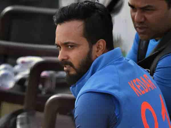 टीम इंडिया को 'युवराज' की तलाश