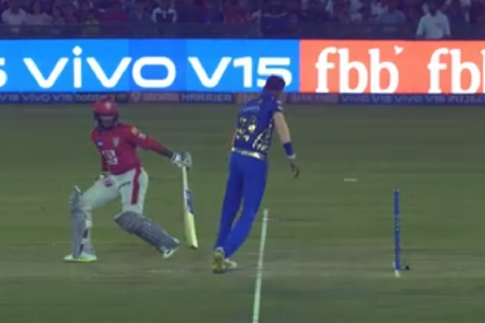 Ipl 2019 Krunal Pandya Almost Create A Mankad Chance Against Mayank Agarwal Video