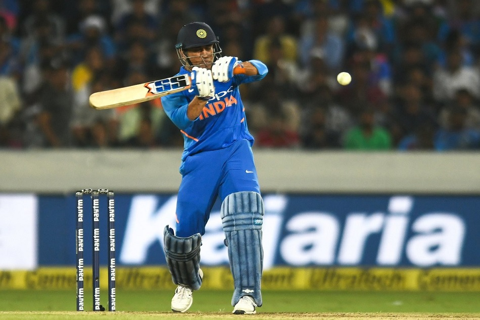 INDvsAUS: MS dhoni scores 71th ODI fifty and his four successive fifties against Australia