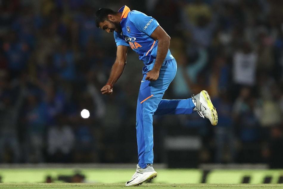 INDvsAUS: Read how vijay shakars become hero in indias narrow win in Nagpur ODI