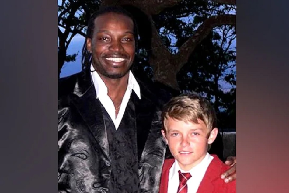 Ipl 2019 Chris Gayle Shares The Picture The Sam Curran Young Days Picture