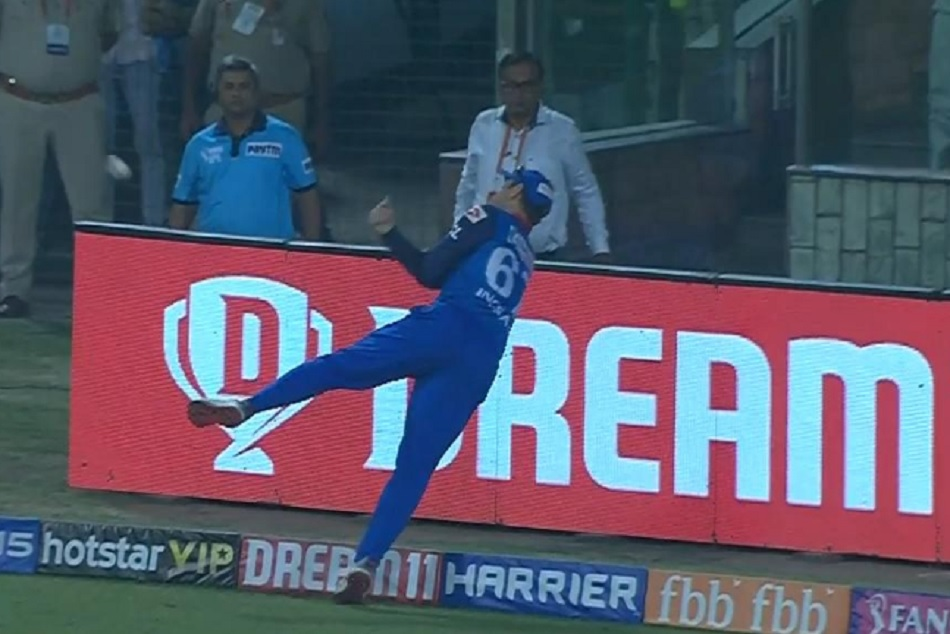 Ipl 2019 Colin Ingram Axar Patel Take Unbelievable Catch Chris Gayle Video