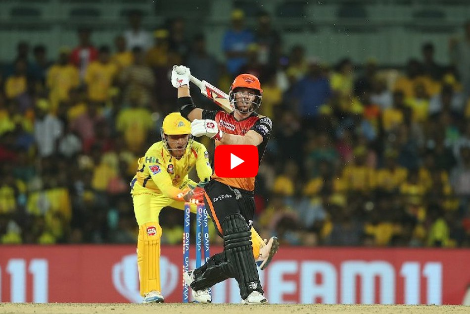 Ms Dhoni Lightning Quick Stumping Forces David Warner To Walk