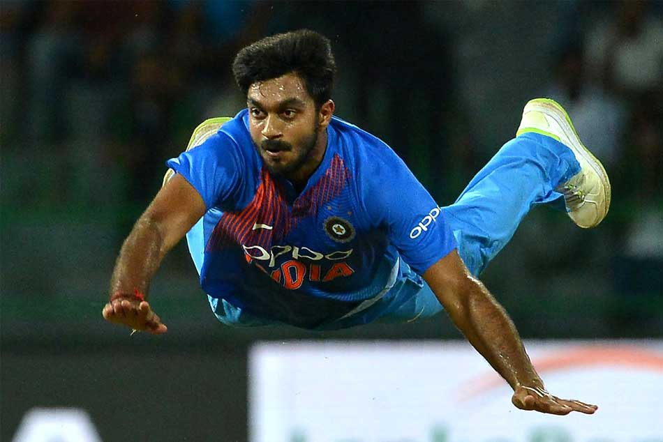 Icc Cricket World Cup 2019 Vijay Shankar Gets Injured During Practice Session