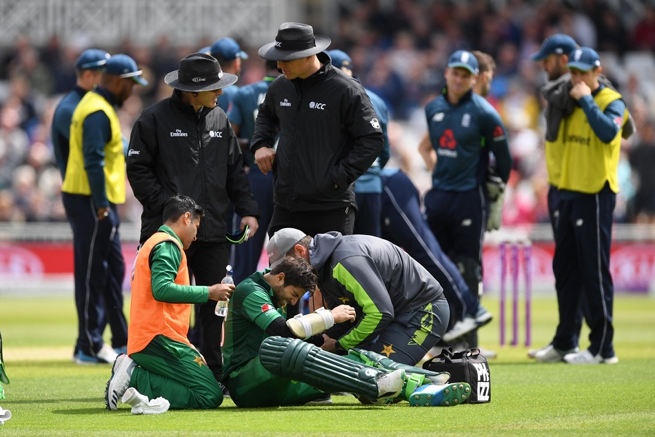 Imam-ul-Haq suffers painful bowl on elbow, narrowly escaped from the serious injury