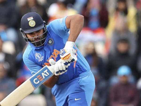 126 गेंदों पर 137 बनाम बांग्लादेश (14 चौके, तीन छक्के)