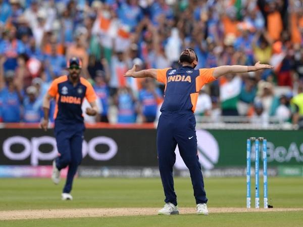 दुनिया के केवल दूसरे ऐसे गेंदबाज बने शमी
