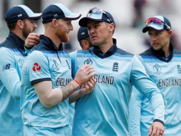 इंग्लैंड को हार से हुआ नुकसान