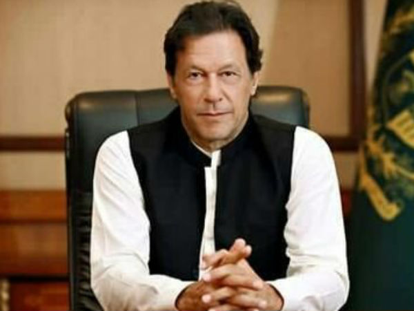 Prime Minister Imran Khan Gives Advice To Pakistan Team Ahead Of World Cup Clash With India