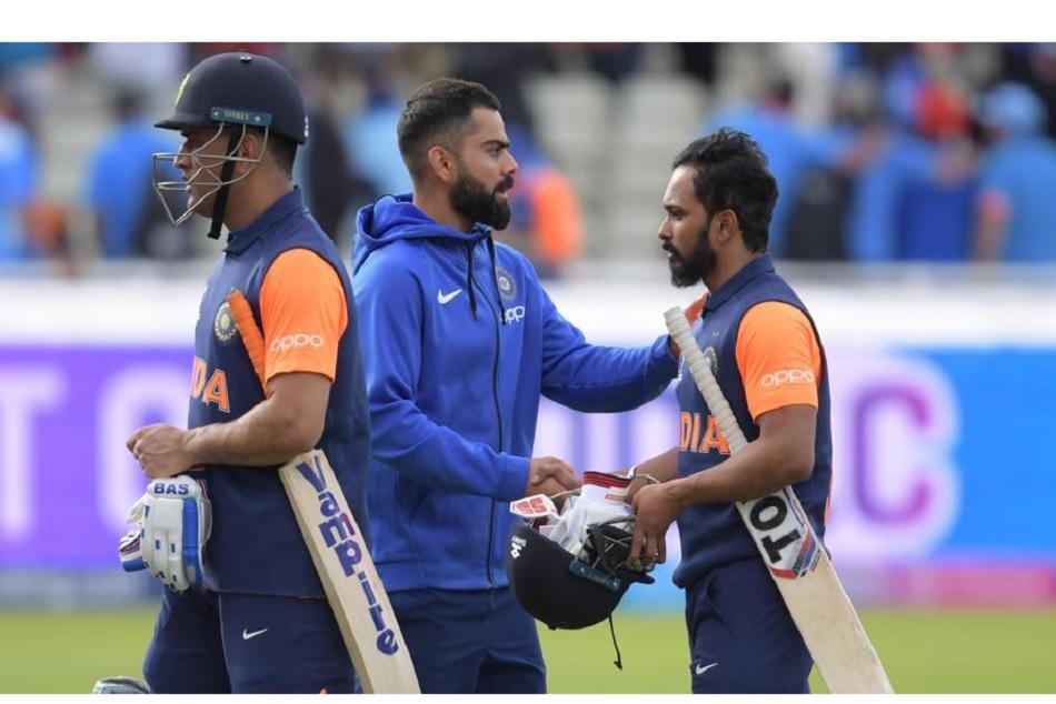 Virat Kohli and Rohit Sharma Reacted on MS Dhoni and Kedar Jadhavs slow batting