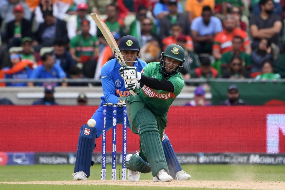 shakib al hasan becomes the first crickter to achieve this milestone in ODI World Cup histroy