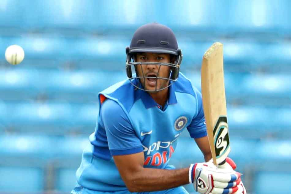 Mayank agarwal said he was having a hair cut when received call for World Cup 2019
